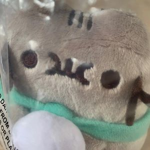 Marshmallow Pusheen plush